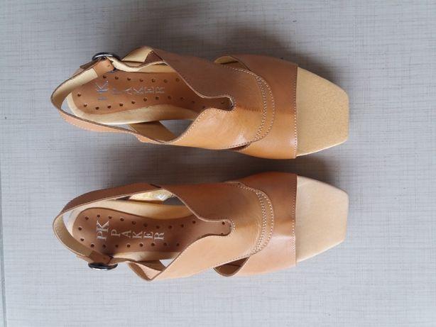 Sandália de senhora em pele