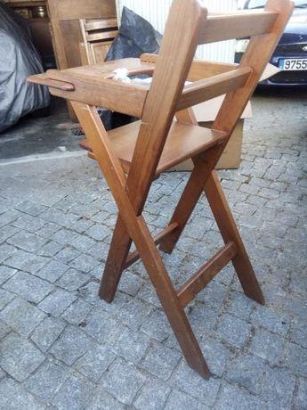 Cadeira de criança estrutura madeira