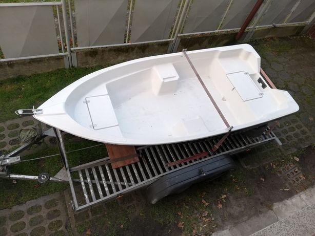 Łódka wędkarska lodka