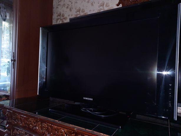 ЖК телевизор Samsung  LE32A550P1R