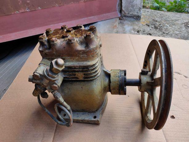Compressor frigorífico antigo para restaurar de correia