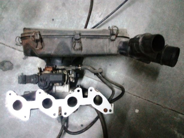 Carburador e Coletor Válvula de Relantim Renault 19, 21 e Renault Clio
