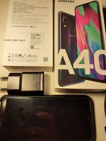 Телефон Samsung A40