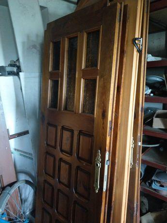 Drzwi różnego typu drewniane