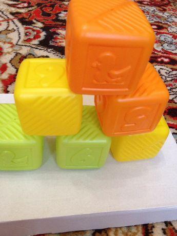 Пластмассовые кубики, Польша