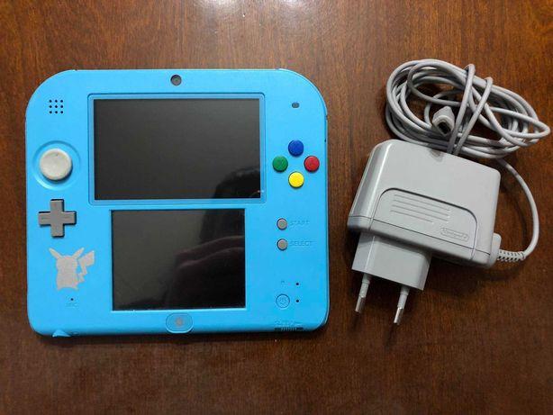 Nintendo 2DS (Sun & Moon Edition) + Pokemon Moon (3DS)