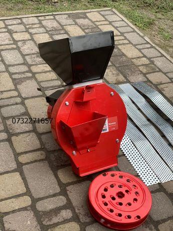 Зернодробилка MAKITA EFS-4200 (РУМИНИЯ), млин, ДКУ, крупорушка