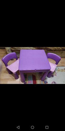 Stolik Tego Mamut + 2 krzesełka