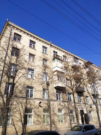 Сталинка 3 к.метро Защитников Украины