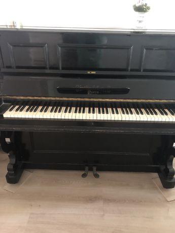 Piano vertical português da marca Custódio C. Pereira