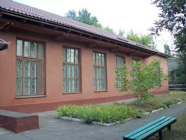 Нежитлова будівля ідальні, S = 597 кв.м., вул. Переяславська, 24а