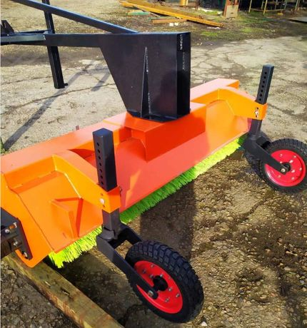 Дорожная коммунальная щетка для тракторов