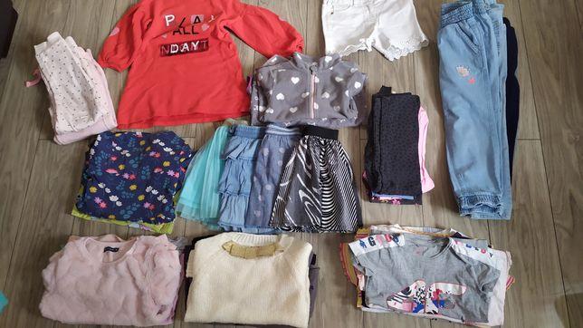 Zestaw ubrań dla dziewczynki rozm 110. Bluzki spodnie itp
