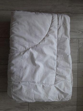 Kołderka do łóżeczka