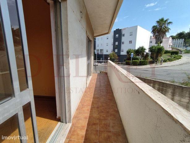 Apartamento T2 para remodelar no Bom Retiro (Vila Franca ...
