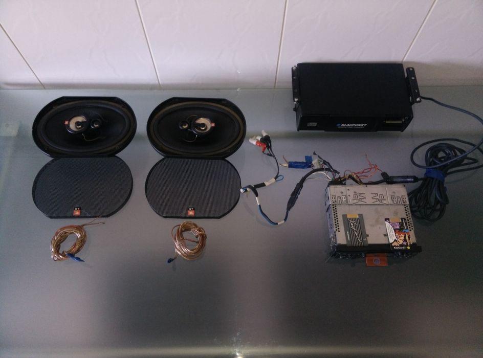 Blaupunkt auto-rádio e carregador de 10 CD's + colunas JBL 3 vias Espinhosela - imagem 1