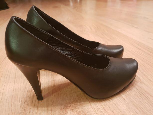 Buty skórzane 39 jak nowe