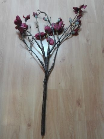 Sztuczny kwiat magnolia