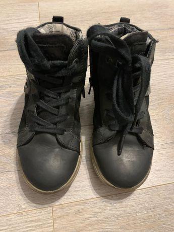 Продам детские демисезонные ботинки Ecco