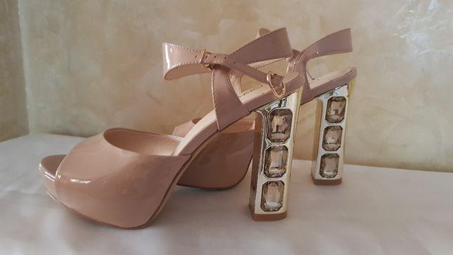 Туфли босоножки бежевые