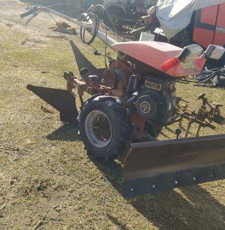 Sprzedam traktorek do prac ogrodowych