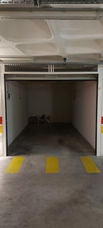 Arrendo garagem Póvoa de Santa Iria