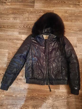 Фирменная курточка куртка