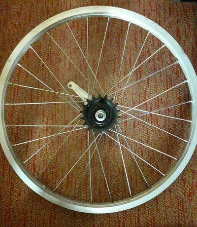 Колесо велосипедное без камеры