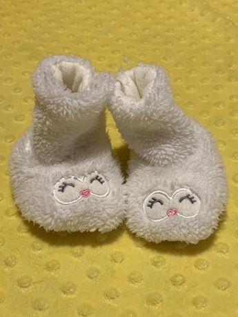 Чопики, носочки с подошвой, на рост 68/74.
