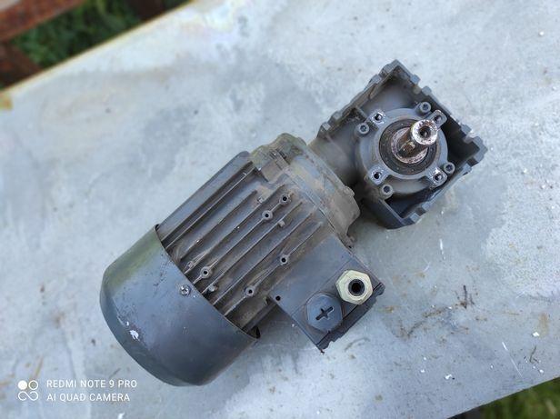 Motoreduktor 0.36kw