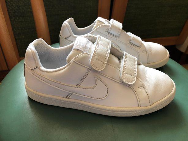Buty, Adidasy Nike rozmiar 33 długość wkładki 20 cm