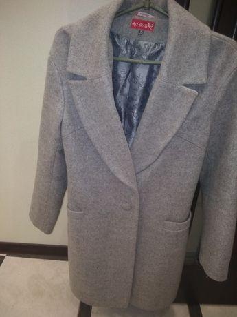 Продам пальто ,размер 44