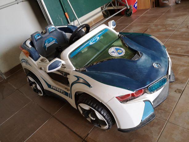 Samochód na akumulator.