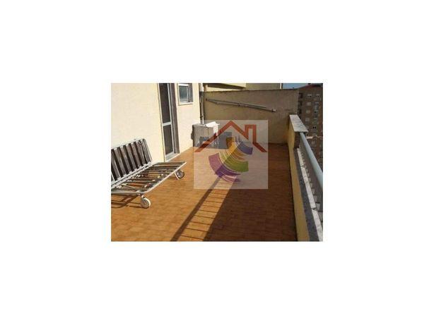Apartamento T2 à venda em Carregado e Cadafais, completam...