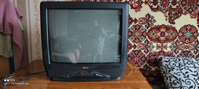 Телевизор LG на пульте управления