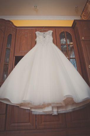 Весільна сукня від УкрШик