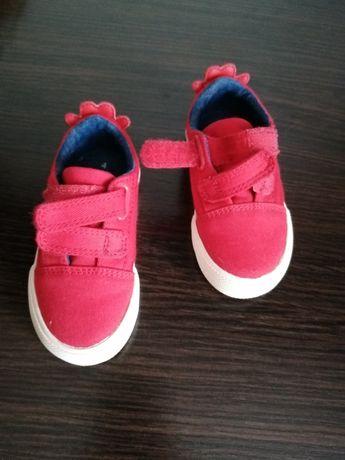 Шикарне взуття для ваших малят NEXT