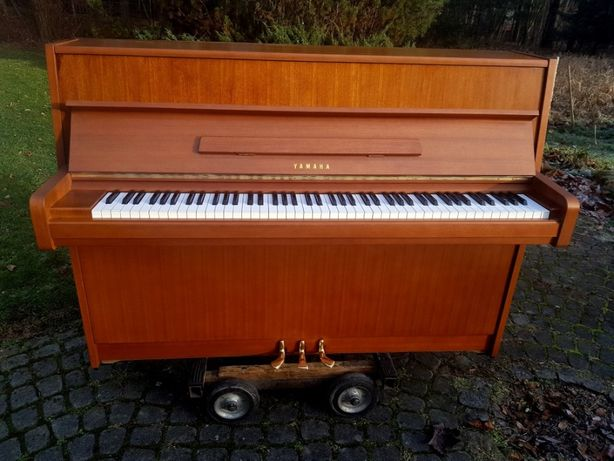 Pianino Yamaha 106cm 1971r produkcja japońska