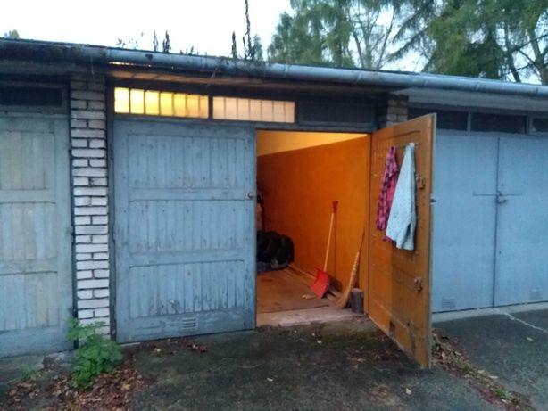 Murowany garaż w Nowej Hucia