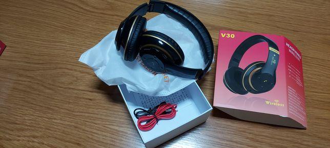 Headfones wireless novos em caixa .