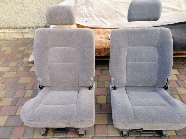 Сидіння для Мінівена