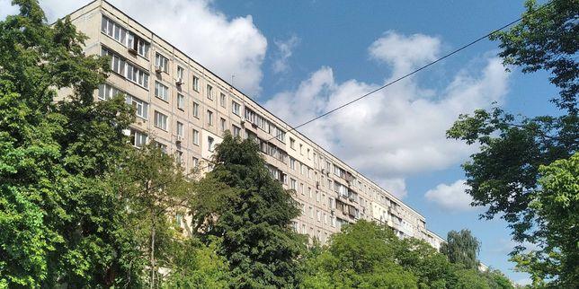 """Продам, Якуба Коласа, 21, Борщаговка, М """"Святошино"""""""