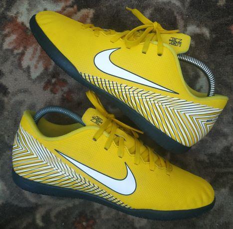 Копы футзалки (40р) бутсы Nike mercurial tiempo hypervenom