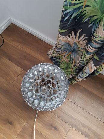 Nowoczesna srebrna lampa zyrandol