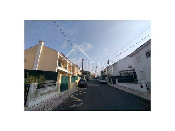 Moradia Bi-Familiar T4 em Talaíde , São Domingos de Rana