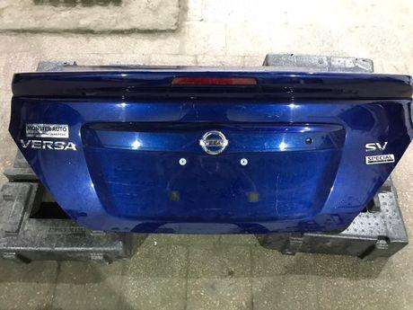 Крышка багажника, задний бампер, задние фонари Nissan Versa 2018
