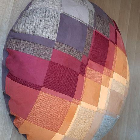 Puff em patchwork feito com tecido nobuk