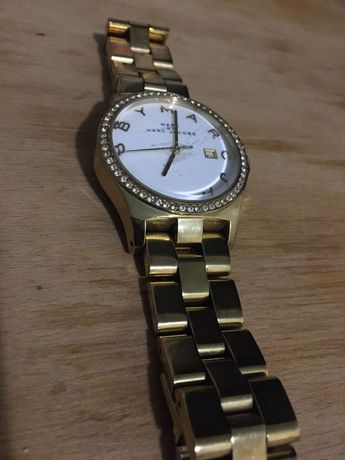 Продам часы Marc