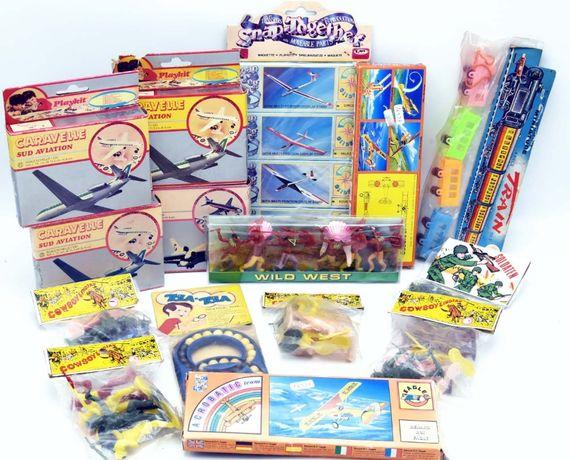 Brinquedos antigos anos 70 ainda embalados e selados origem colecção