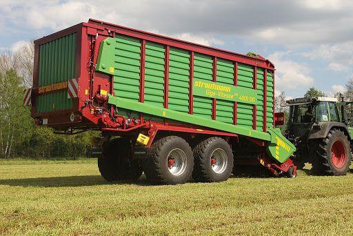 Usługi zbioru trawy Przyczepami samozbierającymi zbieranie trawy 3 szt